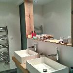 Une salle de bains a l'exotique