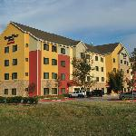 "The Desoto TownePlace Suites has great ""curb appeal"""