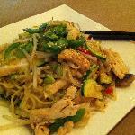 Chicken stir fry with ramen noodles