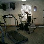 Chateau Inn and Suites Gym