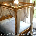 Eagle four poster double room
