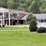 Rodeway Inn Marshall Manor