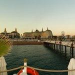 ein wunderschöner Blick von der Seebrücke zum Delphin Imperial Hotel