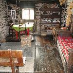 La tradicional lareira donde tomas desayuno o cena con el fuego encendido.