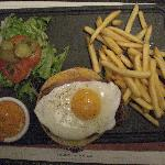 """The """"Le Country"""" Burger"""