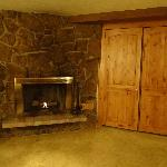 Fireplace with Murphy Bed!!