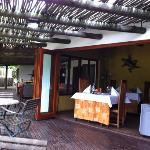 Sicht von Terrasse ins Restaurant bzw offener Frühstücksraum