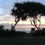 Flott utsikt fra bungalow - nydelig solnedgang