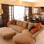 Deacra Villas - lounge area