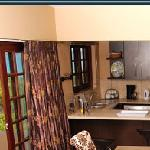 Deacra Villas - kitchen/ dining area