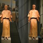Estátuas em terracota na entrada principal