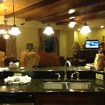 Kitchen/dining/living room presidential