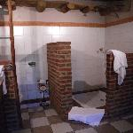 Grenache suite - large bathroom