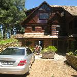 Front of Lalapanzi Lodge