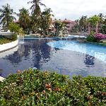 area de piscina Hotel otro angulo de vision
