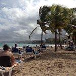 ondanks (veel) bewolking was het strand prima uit te houden met een constante temperatuur van 30