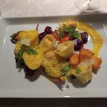 Vorspeise: Ricotta-Tortellini mit gebratenen Kürbiswürfeln und Rote Beete