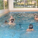 Piscina cubierta del hotel. Swimming pool