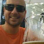 eu no bar aqui em Mérida.