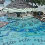 Swim up Bar in the loud pool