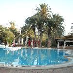 piscine ext trés propre en pente douce