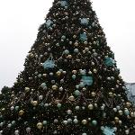 Statue Square - Tiffany & Co Tree for WinterFest (2)