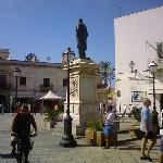 la piazza dove si trova il ristorante