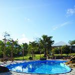5 habitations créoles dans un verger tropical avec piscine