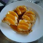 French Toast w/sweet cream cheese & peaches w/maple syrup