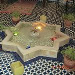 fuente del patio del riad
