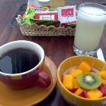 Estoy feliz con mi desayuno.
