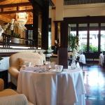 Club Restaurant-feel like celebrity