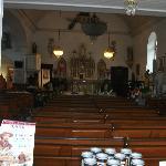 L'intérieur de la petite église