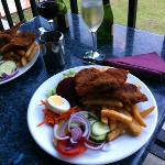 Crumbed lamb cutlets with chips and salad