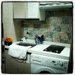 electric stove & sink