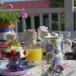 Delicious full breakfast on the deck - photo thanks to Ruth Raymond