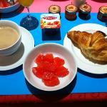朝食はビュッフェ式