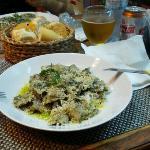 Ravioli woth pesto sauce