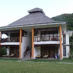 maison avec quatre chambres
