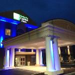 Holiday Inn Express & Suites Utica at night