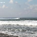 Surfing at Pererenan beach with 4 surf points in walking distance
