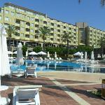 otel büyük havuz