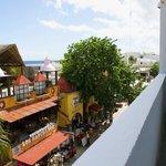 Balcony Xtudio overviews 5th Avenue