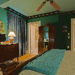Room 206 - Second floor room with queen bed and daybed. Southwest exposure.