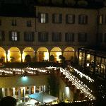 Four Seasons Milano, courtyard at night