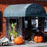 Hogan's Inn At Four Corners