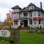 Maison Tait House
