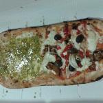 pizza al metro... pistacchio e covo :)