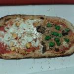 pizza al metro :)