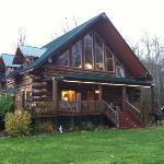 Wallace Falls Lodge-rustic look with nice new furnishings